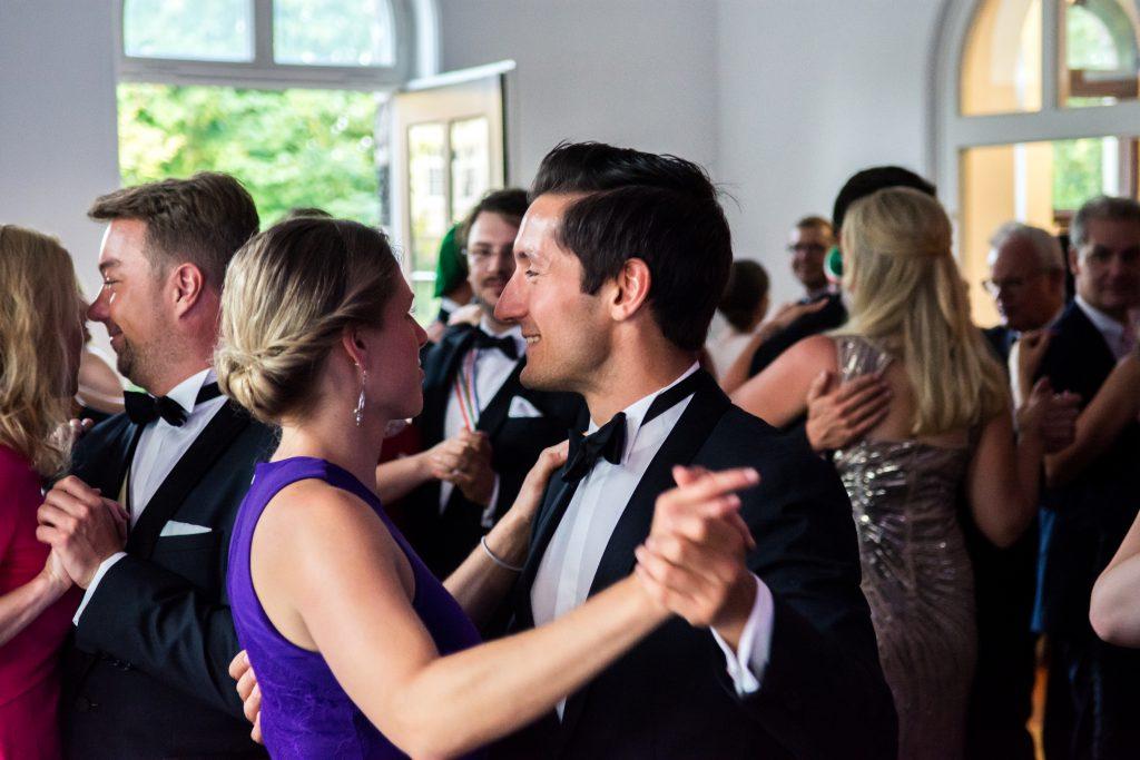 Tanzen im Ballsaal