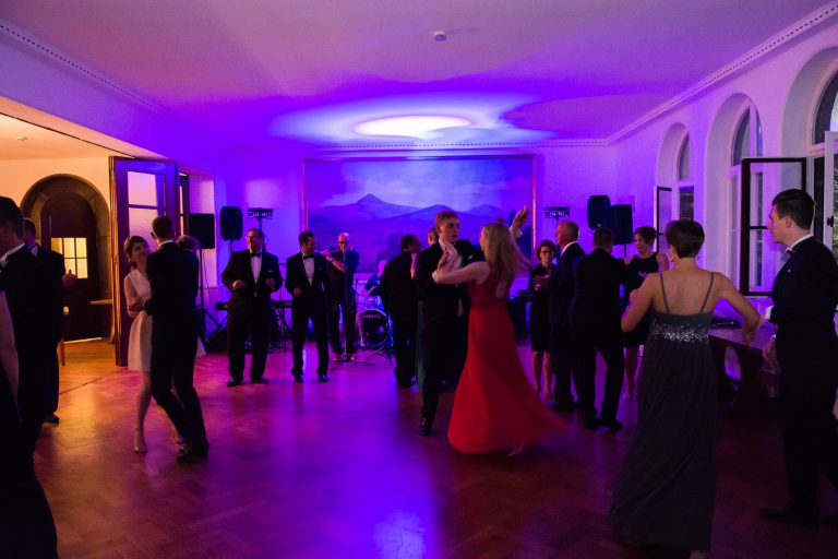 Stiftungsfestball mit Live-Musik